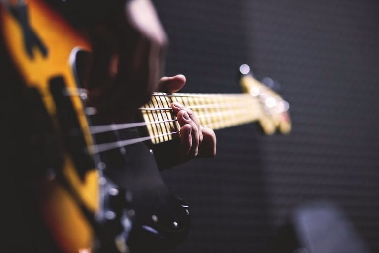 How to EQ Bass Guitar: Simple Steps for a Better Low End