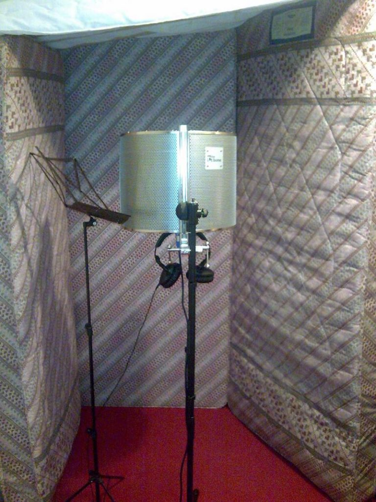 The Best Inexpensive DIY Vocal Booth Options - Produce Like