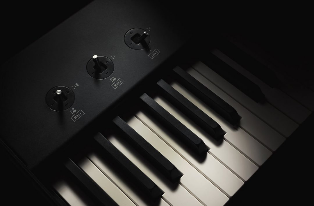 Using MIDI Controllers to Play Virtual Instruments