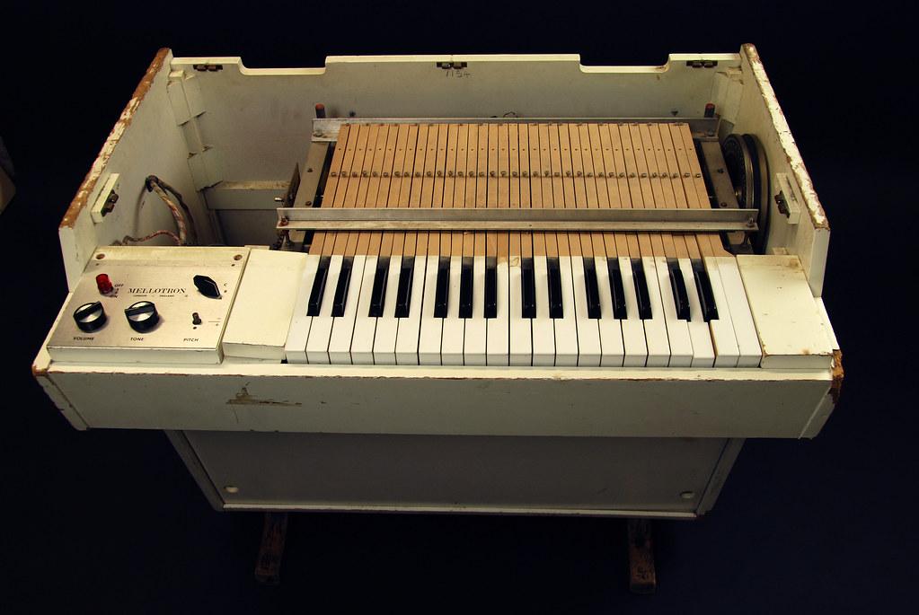 9 Best Mellotron Plugins : 2021 [Free & Paid]
